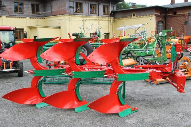 Ogłoszenie rolnicze: Pług firmy AGRO MASZ PO3 obracalny z zabezpieczeniem zrywalnym NOWY