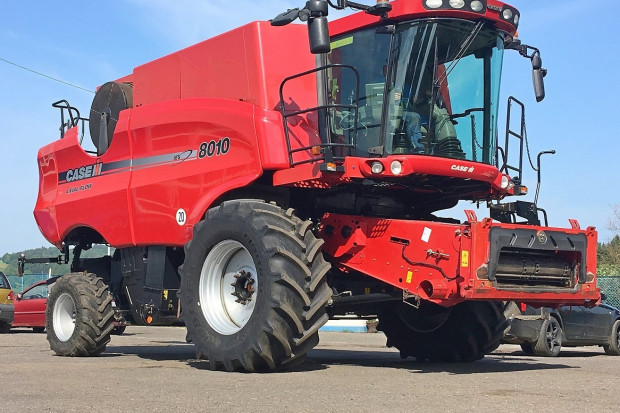 Ogłoszenie rolnicze: CASE 8010 AFX - 7,32 M + CAPELLO QUASAR R8