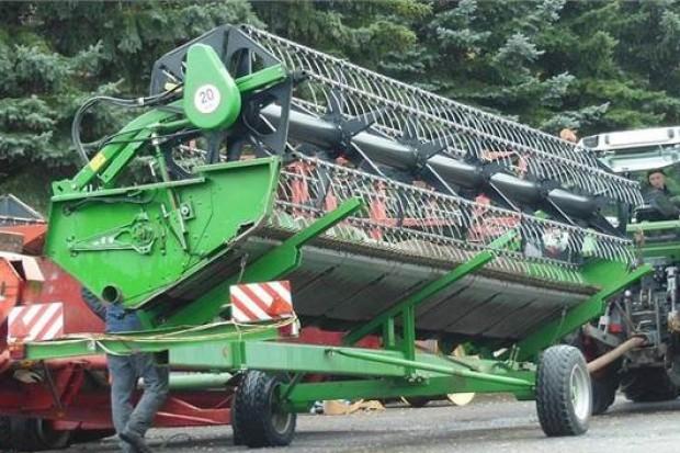 Ogłoszenie rolnicze: PRZYSTAWKA JOHN DEERE 625 R - 2008 ROK