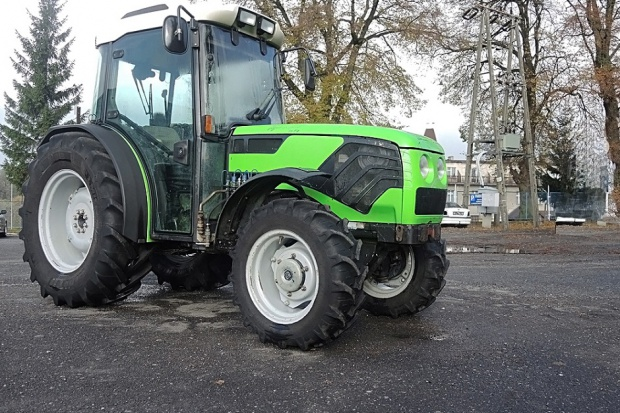 Ogłoszenie rolnicze: Ciągnik sadowniczy DEUTZ-FAHR AGROCOMPACT 70 F4 - 2000 ROK
