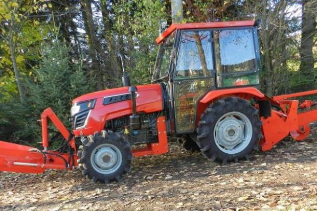 Ogłoszenie rolnicze: Samojezdna koparka łańcuchowa z zasypywarką, napęd - ciągnik  50 kM