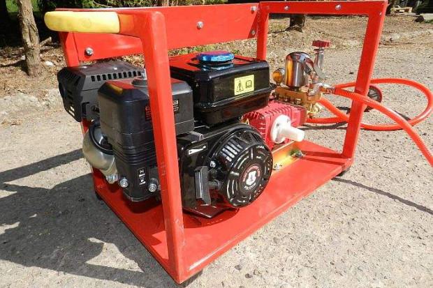 Ogłoszenie rolnicze: OPRYSKIWACZ SPALINOWY PRZENOŚNY,  moduł napędowy silnik + pompa