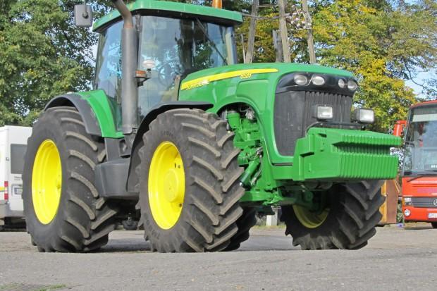 Ogłoszenie rolnicze: JOHN DEERE 8520 POWERSHIFT - 365 KM - 2002 ROK