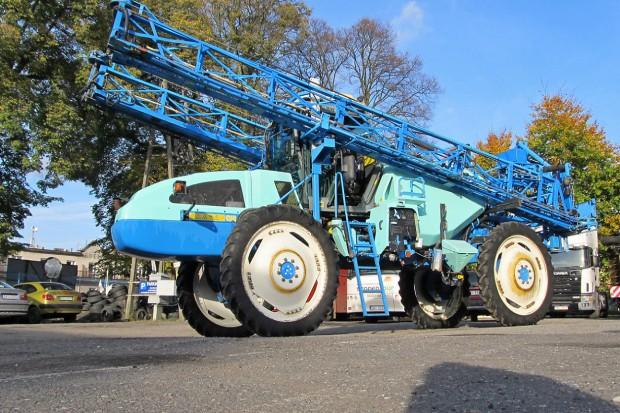 Ogłoszenie rolnicze: Opryskiwacz samojezdny BERTHOUD BOXER 4000 - 36 M - 2007 ROK