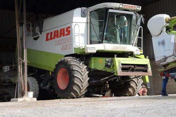 Ogłoszenie rolnicze: Kombajn zbożowy CLAAS LEXION 450 - HEDER 5,4 M - 1999