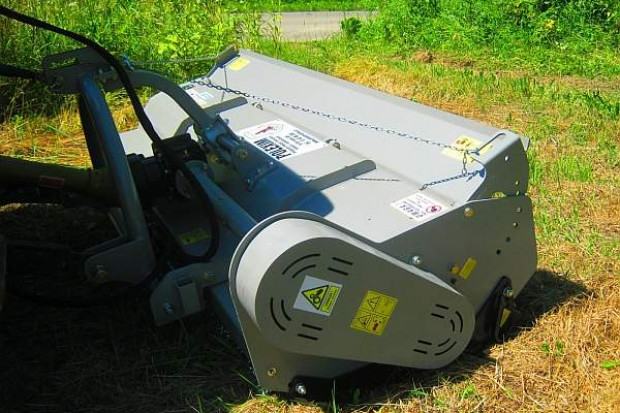 Ogłoszenie rolnicze: Kosiarka bijakowa 240cm z przesuwem, unoszona pokrywa, 75 kM, bijak łopatka