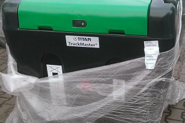Ogłoszenie rolnicze: Zbiornik 900 litrów do przewozu paliwa - ON