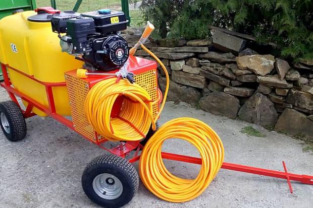 Ogłoszenie rolnicze: Opryskiwacz spalinowy wózkowy do dezynfekcji , 6,5 kM, zbiornik 200l