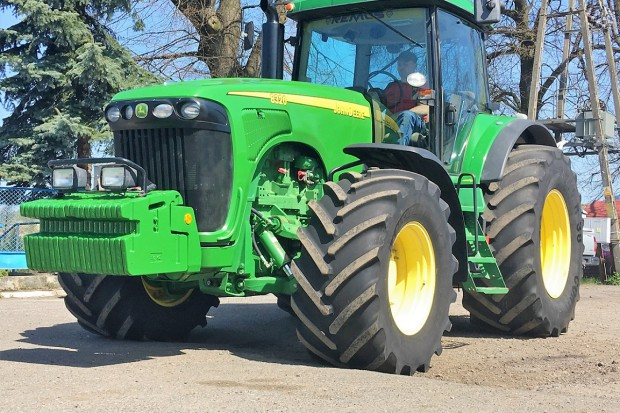 Ogłoszenie rolnicze: JOHN DEERE 8320 POWERSHIFT - 288 KM - 2003 ROK