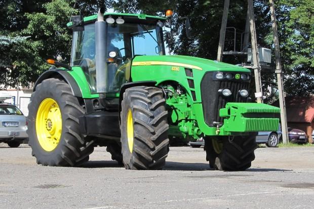 Ogłoszenie rolnicze: JOHN DEERE 8330 POWERSHIFT - 2009 - SKRZYNIA BIEGÓW DO REMONTU