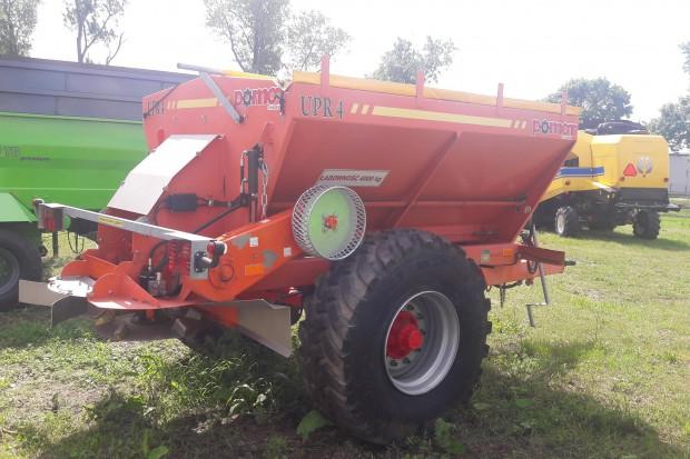Ogłoszenie rolnicze: Posypywarka do piasku i soli POMOT UPR 4