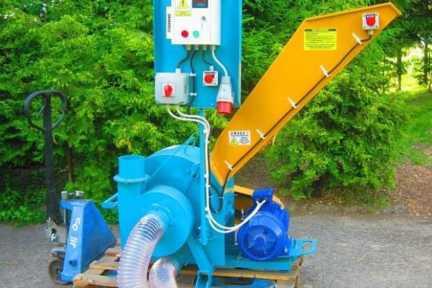 Ogłoszenie rolnicze: MŁYN BIJAKOWY 11 kW, 300-800 kg/h, z własnym odciągiem