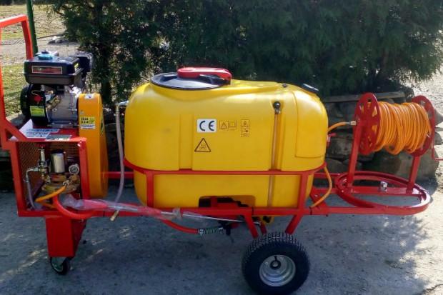 Ogłoszenie rolnicze: Opryskiwacz spalinowy wózkowy model Polexim 200, pojemność  200l, 6,5 kM