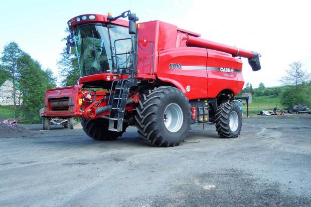 Ogłoszenie rolnicze:  CASE 8010 AFX - 7,32 M - 2006 ROK