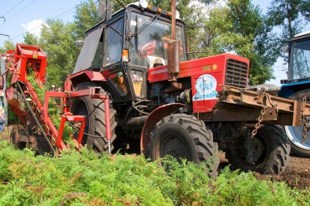 Ogłoszenie rolnicze: Ukraina.Gospodarstwo rolne zamienie duze ilosci ziemniakow na maszyny,sprzet