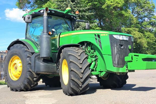 Ogłoszenie rolnicze: JOHN DEERE 8335R - POWERSHIFT - 2013 - 382 KM - AUTOTRAC