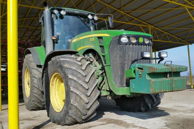 Ogłoszenie rolnicze: JOHN DEERE 8230 - POWERSHIFT - 2007 ROK