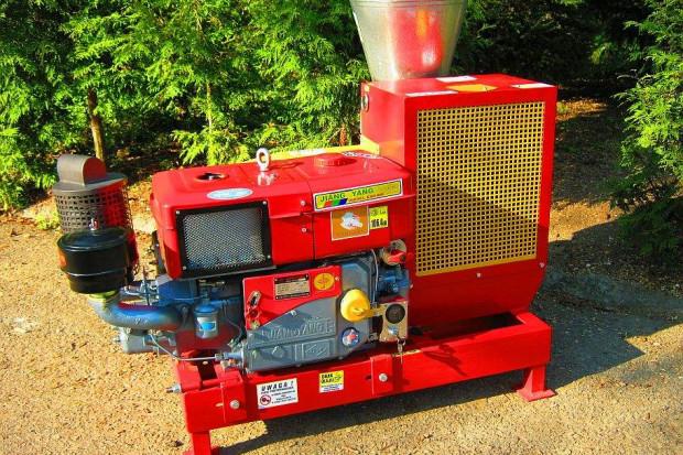 Ogłoszenie rolnicze: PELLECIARKA: wydajność 300-450 kg/h napęd z silnika Diesla